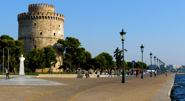 White Tower of Thessaloniki and seafront - Thessaloniki, Greece