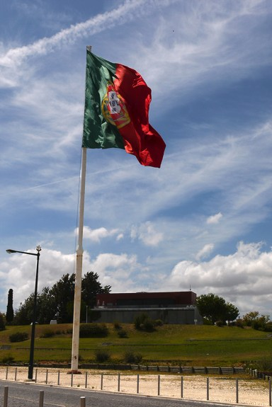Portuguese Flag waving in heavy wind - Lisbon, Portugal (6), Portugal hitch-hikers essentials