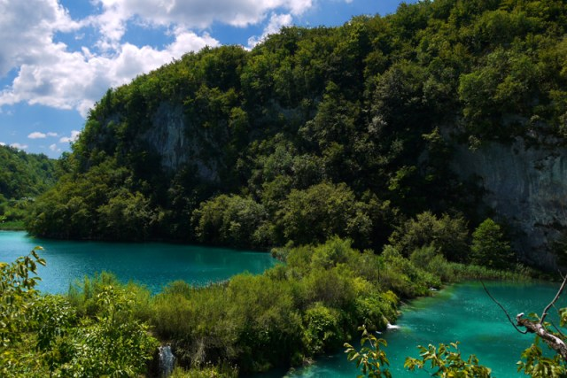 Hitchhiking to Plitvice Lakes National Park and the cacophony of noise