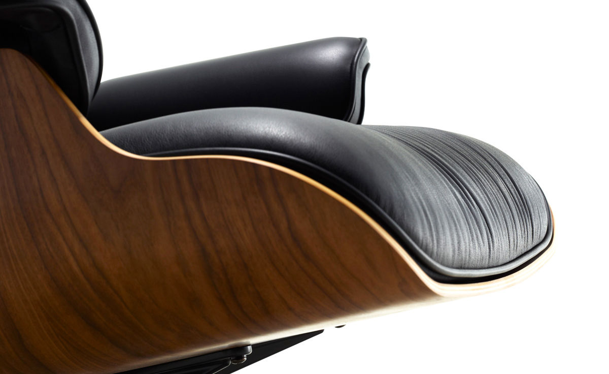 Charles Eames Herman Miller Chair Eames® Lounge Chair - Hivemodern.com