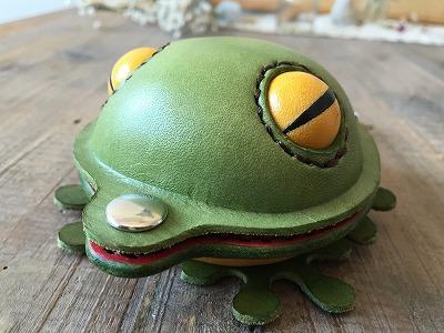 蛙のコインケース