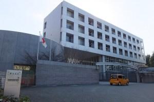 和光市駅からバスで10分ほどの場所にある税務大学校