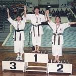 本會選手吳雪麗奪得女子個人套拳季軍 Ms. Ng Suet-lai, a competitor from our Association, won the 2nd runner-up of individual women's kata
