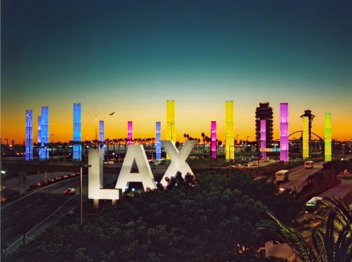 6986600-lax-airport