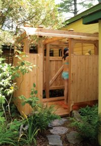 10 DIY Outdoor Shower For Washing Yourself In The Fresh ...