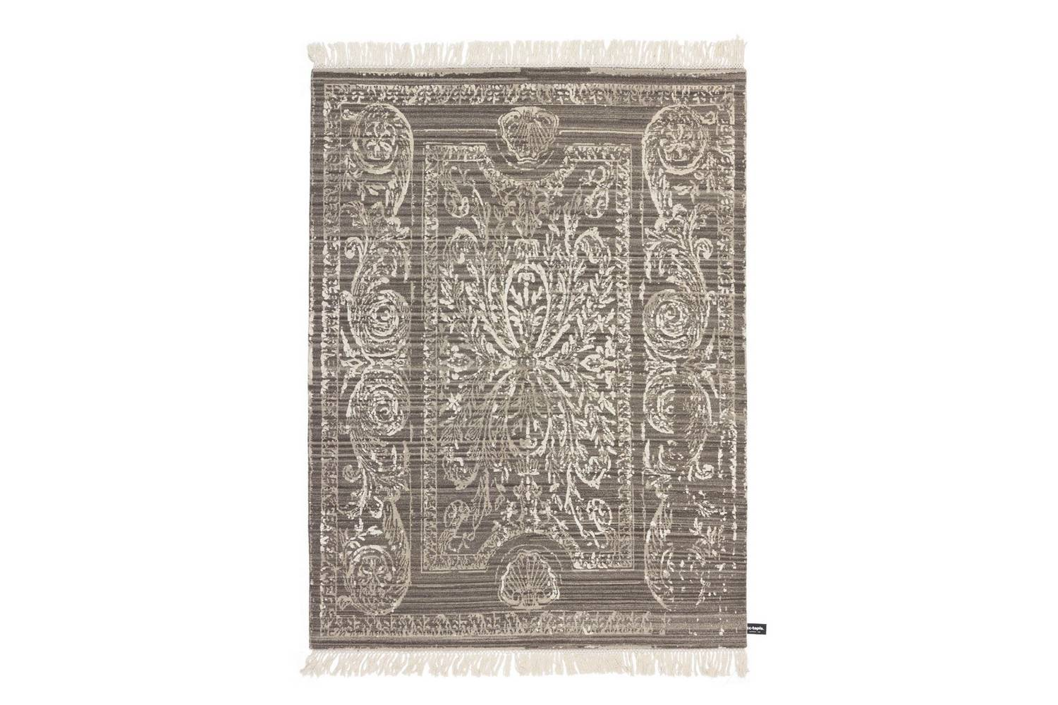 Tapis Style Kilim Traces De Savonnerie Rug By Traces De Memoire Collection For Cc