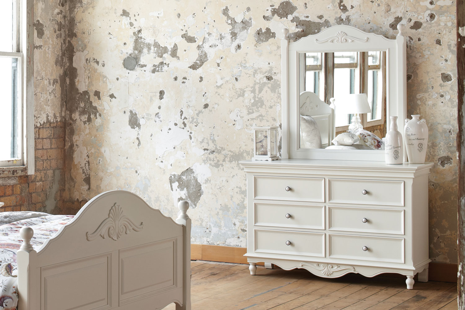 Chambre Gender Chambre 4 Piece Queen Dresser And Mirror Bedroom Suite By Garry Masters