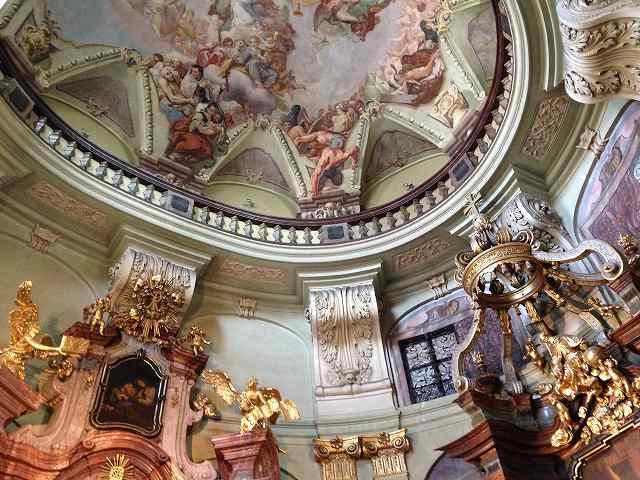 プラハ観光で二つの聖ミクラーシュ教会を鑑賞⑥