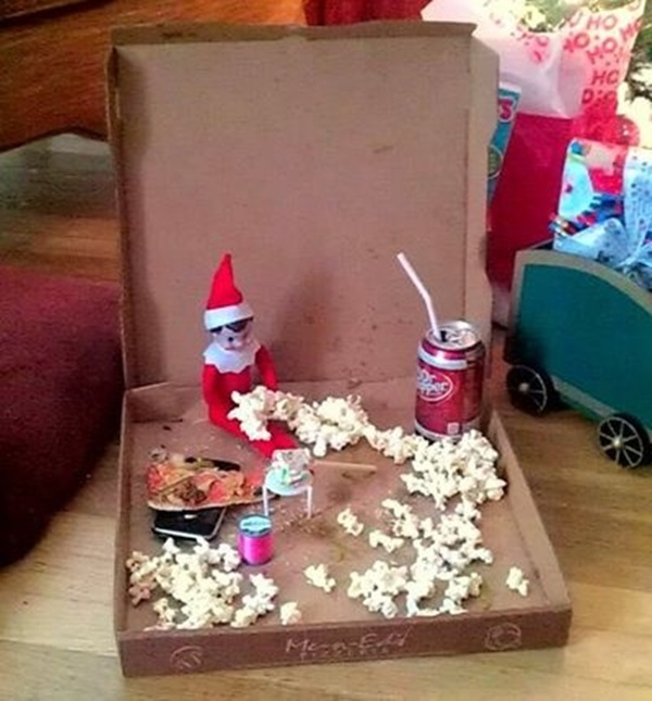 Top 20 Cute And Attractive Elf On The Shelf Ideas