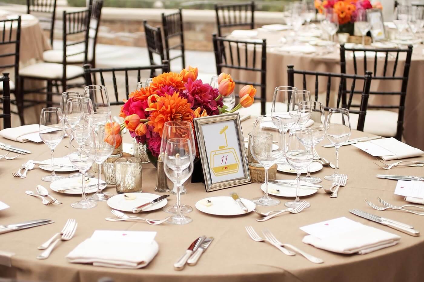 Runder Spiegel Tischdeko Hochzeit Im Fruhling 57 Ideen Fur Eine