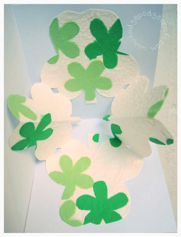 Pop-up shamrock card 2
