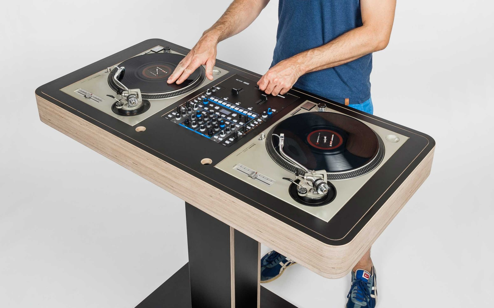 Mesa De Dj Online Hoerboard Pro Audio Dj Furniture The Customized Dj Table