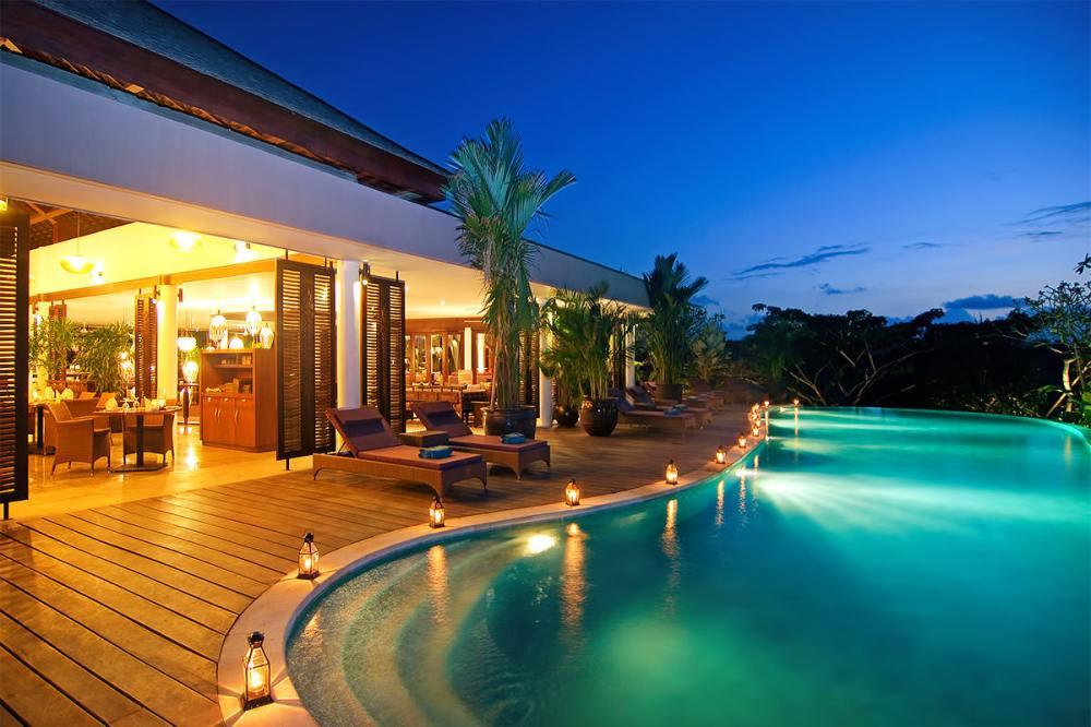 Jimbaran-beach-sunset-Best-Sunset-View-in-Bali Cheap Tickets To Bali