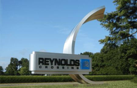 www.holidaysigns.com-richmond-virginia-reynolds-crossing-development-signs-iconic-entries