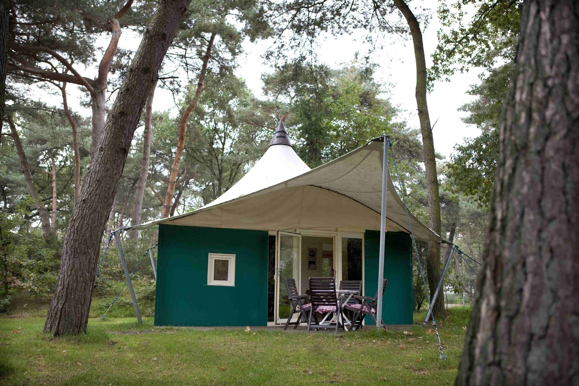 Gasofen Terrasse All Year Zelt 4 Personen Holland Campings