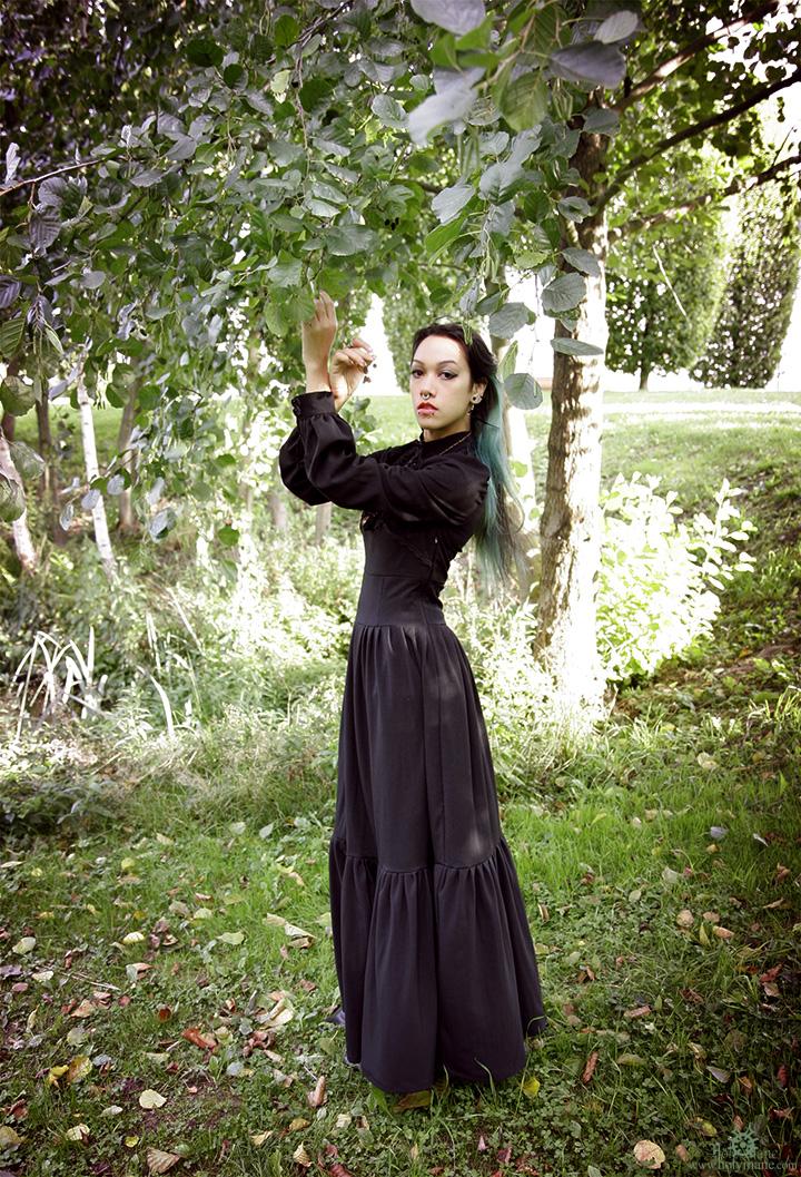 robe noire romantique