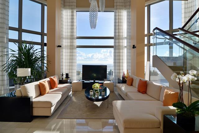 Oceanfront Presidential Suite
