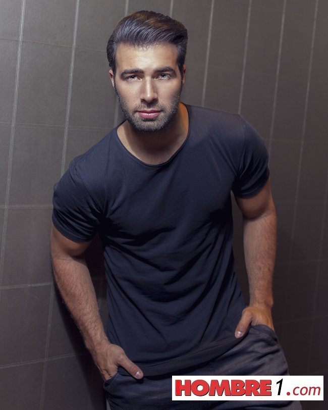 jencarlos-canela-photographed-exclusively-for-hombre-by-paul-tirado-1