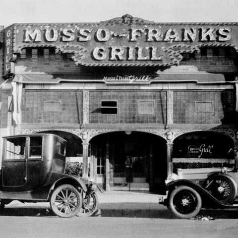 2 hollywood Bison-Musso-and-Franks-Grill-1930002-mz7lyu6bx4ciryonwwrdntkqifxxp5h2qckgu2kwvk (Copy)