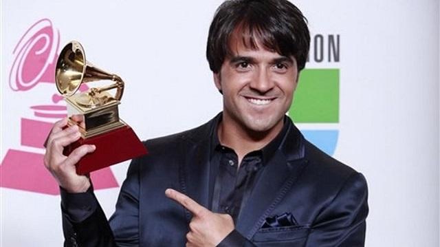 Luis-Fonsi-Latin-Grammy