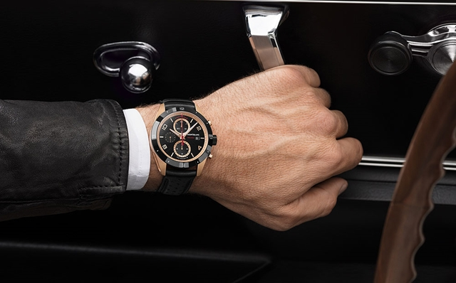 HOMBRE Magazine Father's Day Gift Guide LUX 26 Montblanc_TimeWalker_Chrono_RG_wrist_1000 (Copy)