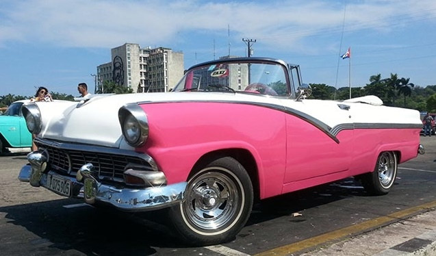 cuba ford_56_pink_white_convertible_doc_1 (Copy)