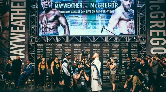 31_Mayweather_vs_McGregor_WorldTour_NY (Copy)photographed by Rosie Cohe SHOWTIME (Copy) HOMBRE Magazine