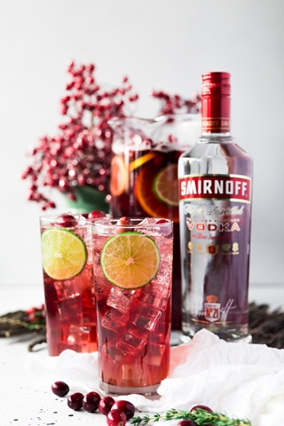 Smirnoff Cranberry-Pineapple-Punch-2 (Copy)