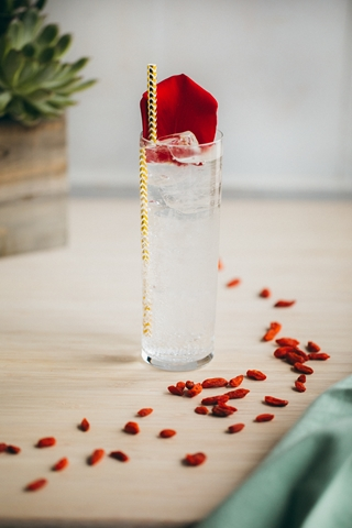 Valentine's Day cocktails for HOMBRE Magazine Rose Quartz 1 (Copy)