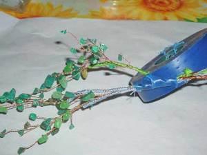 скрепление веточек декоративного деревца