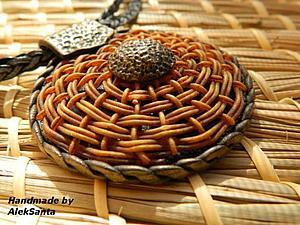 Плетеный кулон из полимерной глины