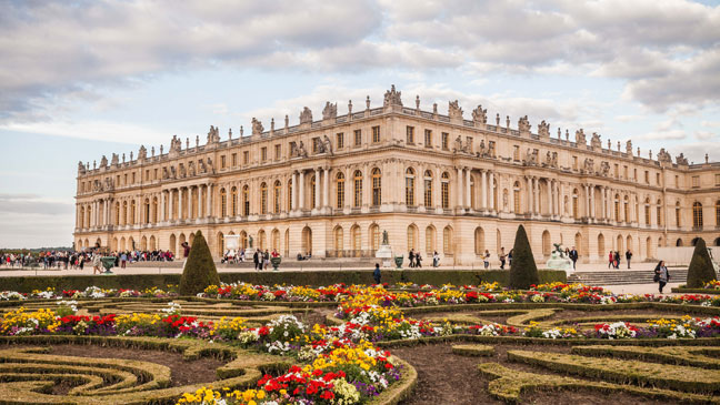 The Fall Bbc Wallpaper 6 Reasons To Visit The Palace Of Versailles Louis Xiv S
