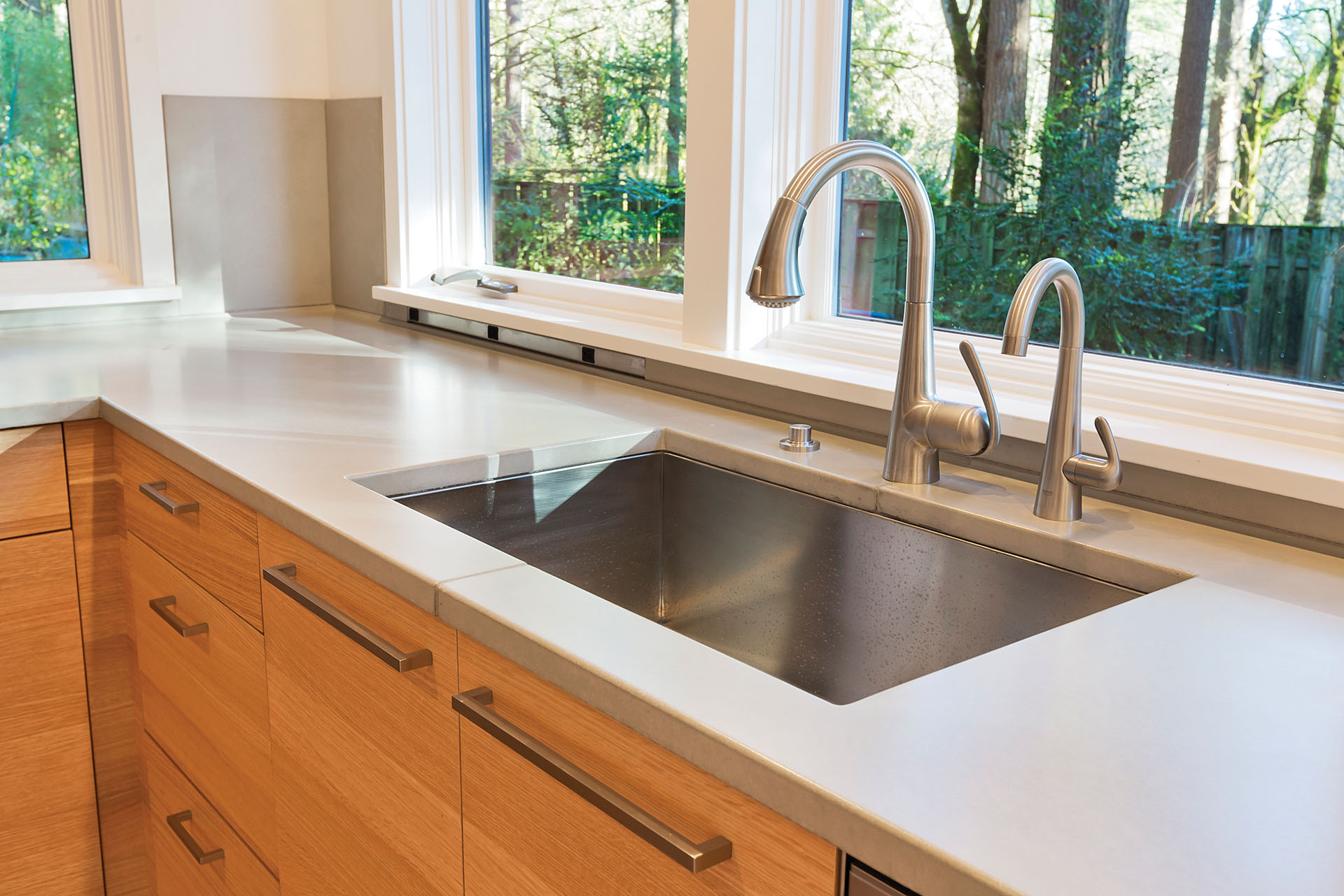 Can You Use Undermount Sink With Laminate Countertops How To Choose The Right Sink And Faucet For Your Kitchen