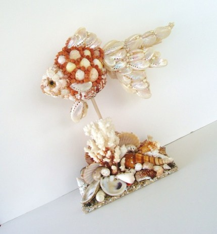Beautiful art with seashells as seen on HomeandGarden.CraftGossip.com