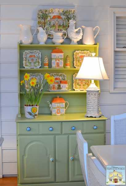 Porch-Hutch-Decorated-for-Spring_wm