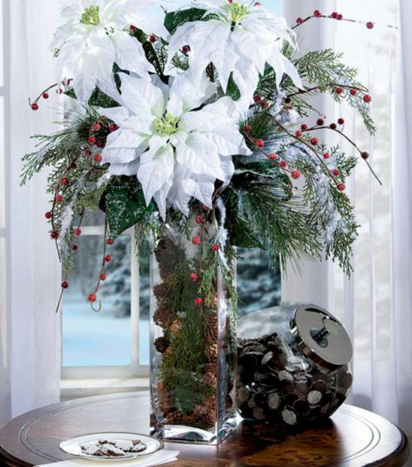 8 beautiful poinsettia arrangements home and garden for Poinsettia arrangements