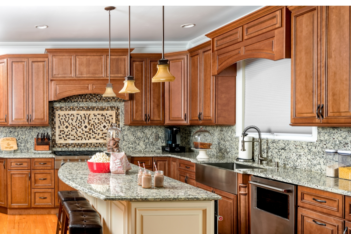 Traditional Kitchens With White Cabinets Traditional Kitchen Cabinets Best Selection In Ny Shop Top Products