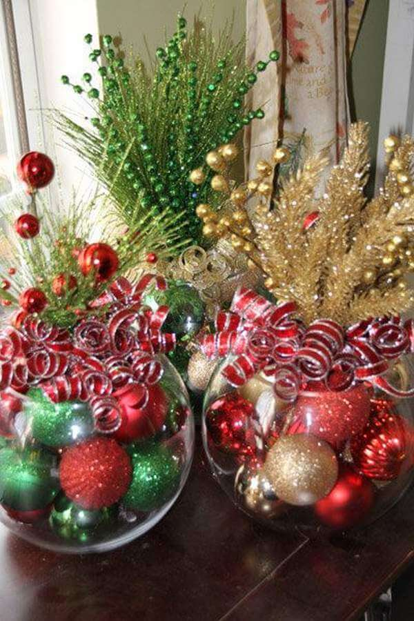 28 Best DIY Christmas Centerpieces (Ideas and Designs) for 2017 - christmas floral decorations