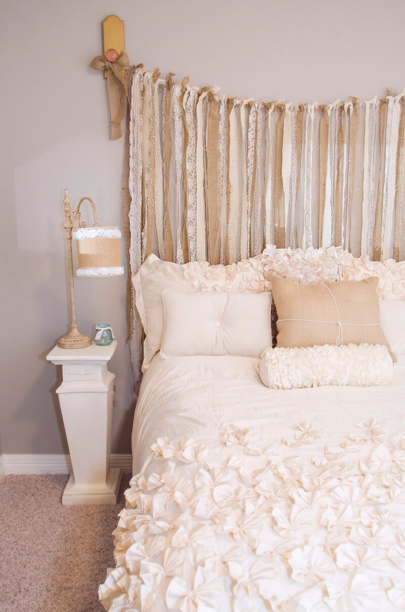 Burlap and lace shabby chic bedroom d cor