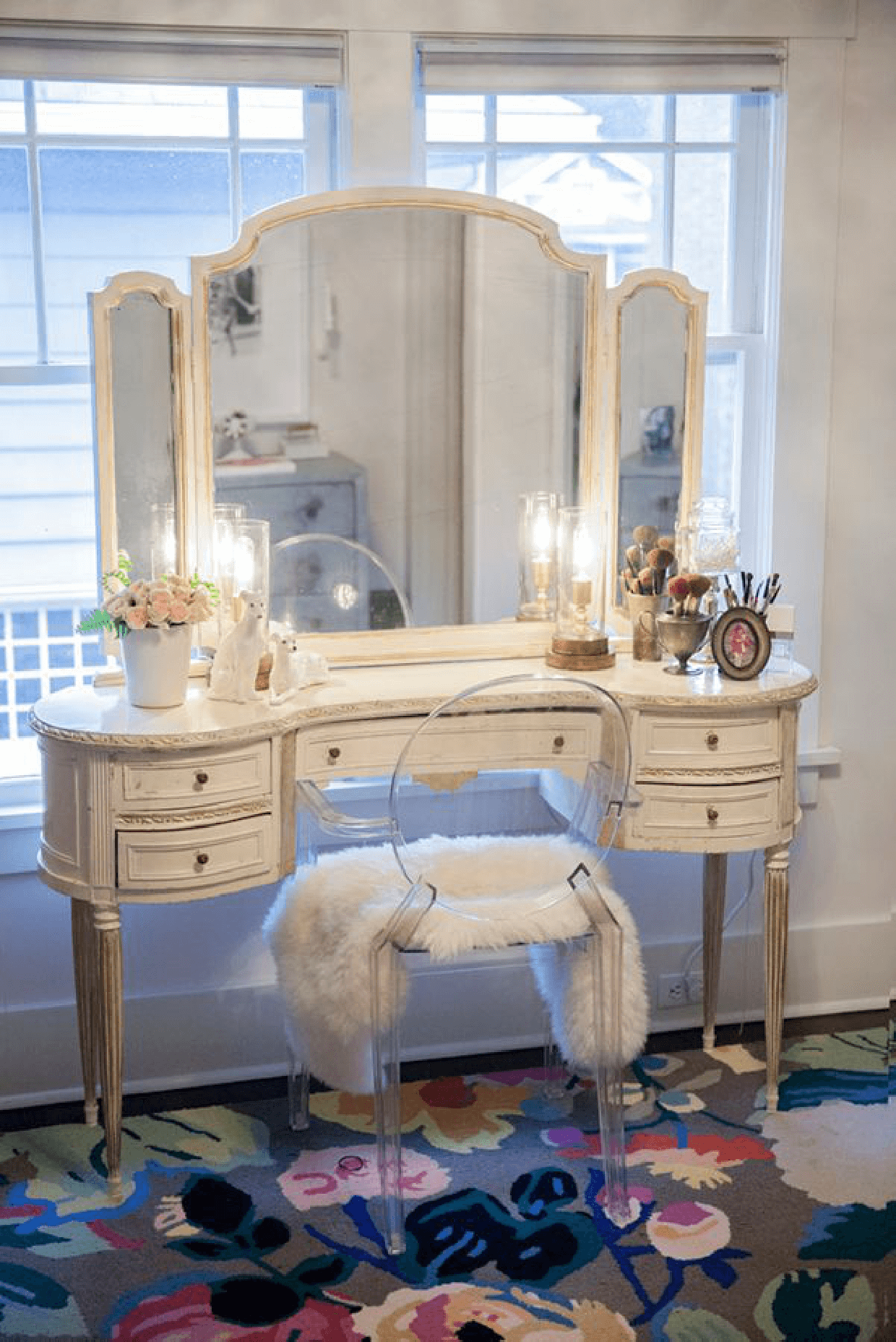 Corner Makeup Table 19 Best Makeup Vanity Ideas And Designs For 2019