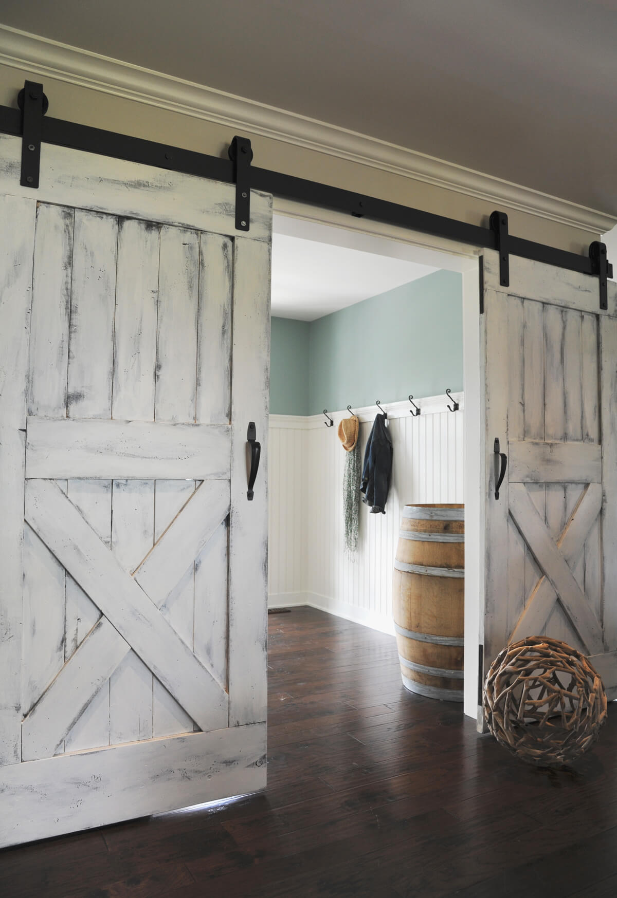 Painted Barn Doors 29 Best Sliding Barn Door Ideas And Designs For 2019