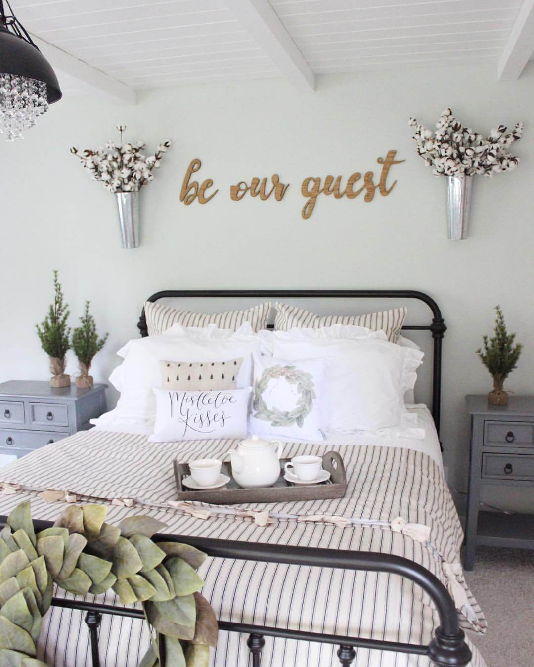 Bedroom Decor Design 39 Best Farmhouse Bedroom Design And Decor Ideas For 2019