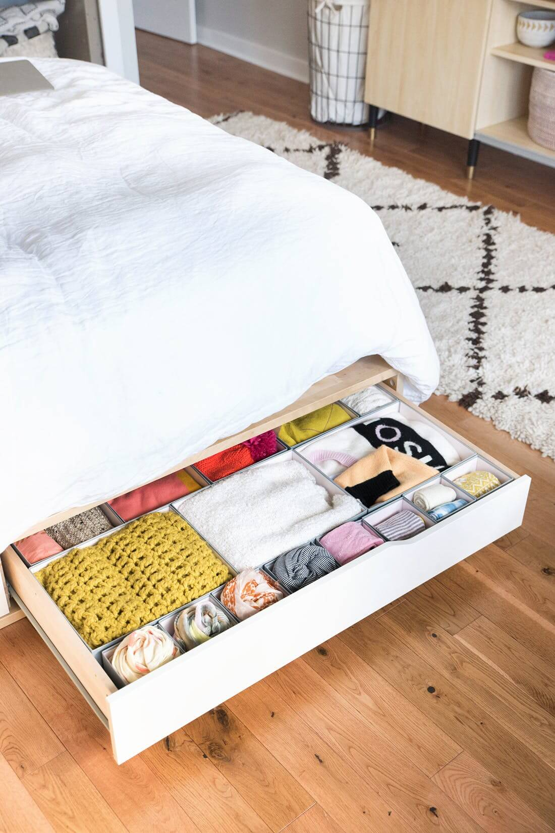 Pull Out Bed Under Bed 38 Best Bedroom Organization Ideas And Projects For 2019