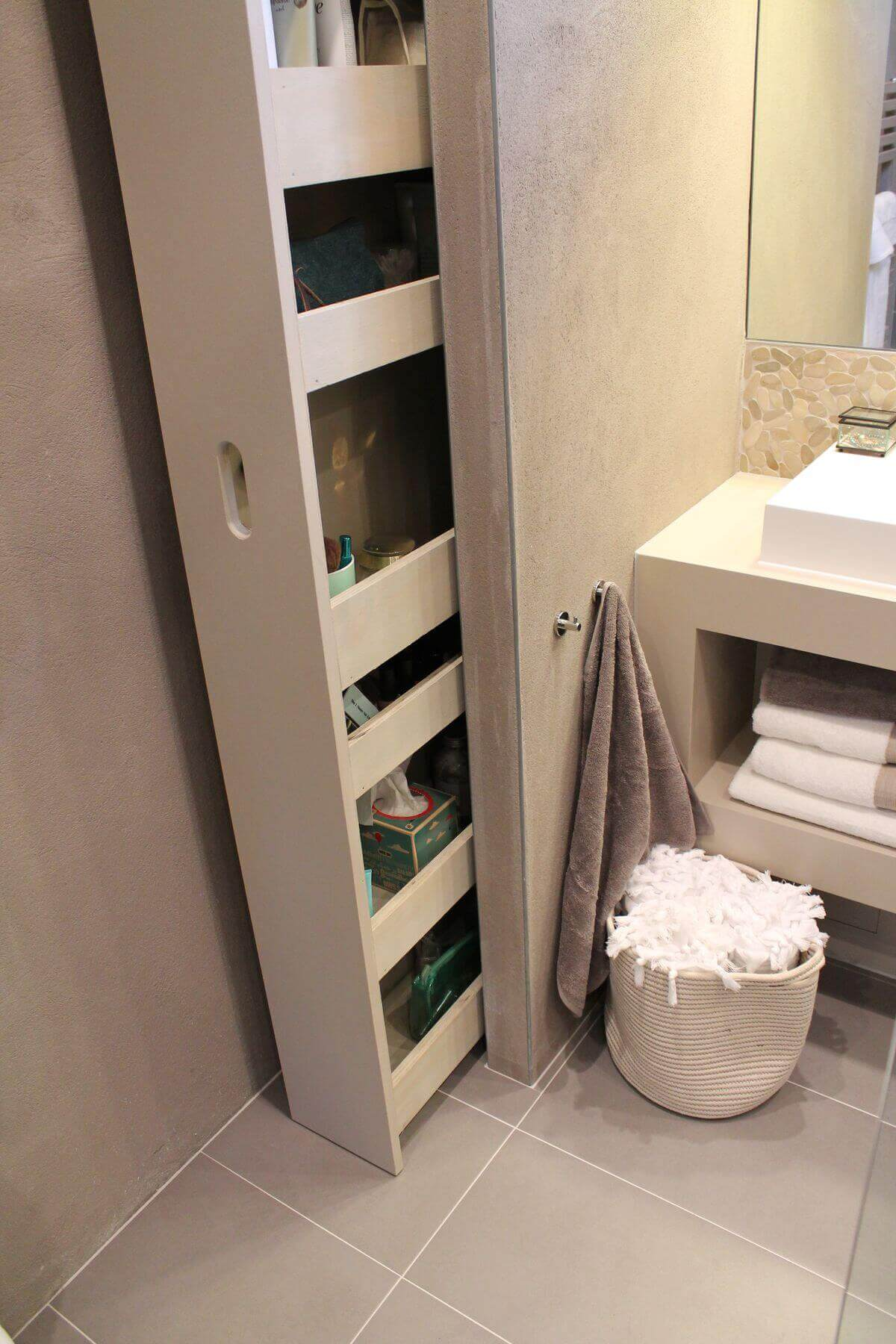 Kleine Badkamer Met Bad En Wc 25 Best Built-in Bathroom Shelf And Storage Ideas For 2019