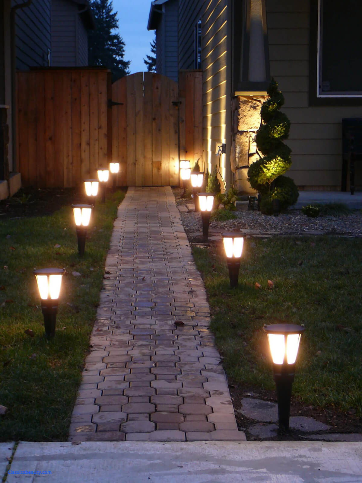 25 Best Landscape Lighting Ideas And Designs For 2021