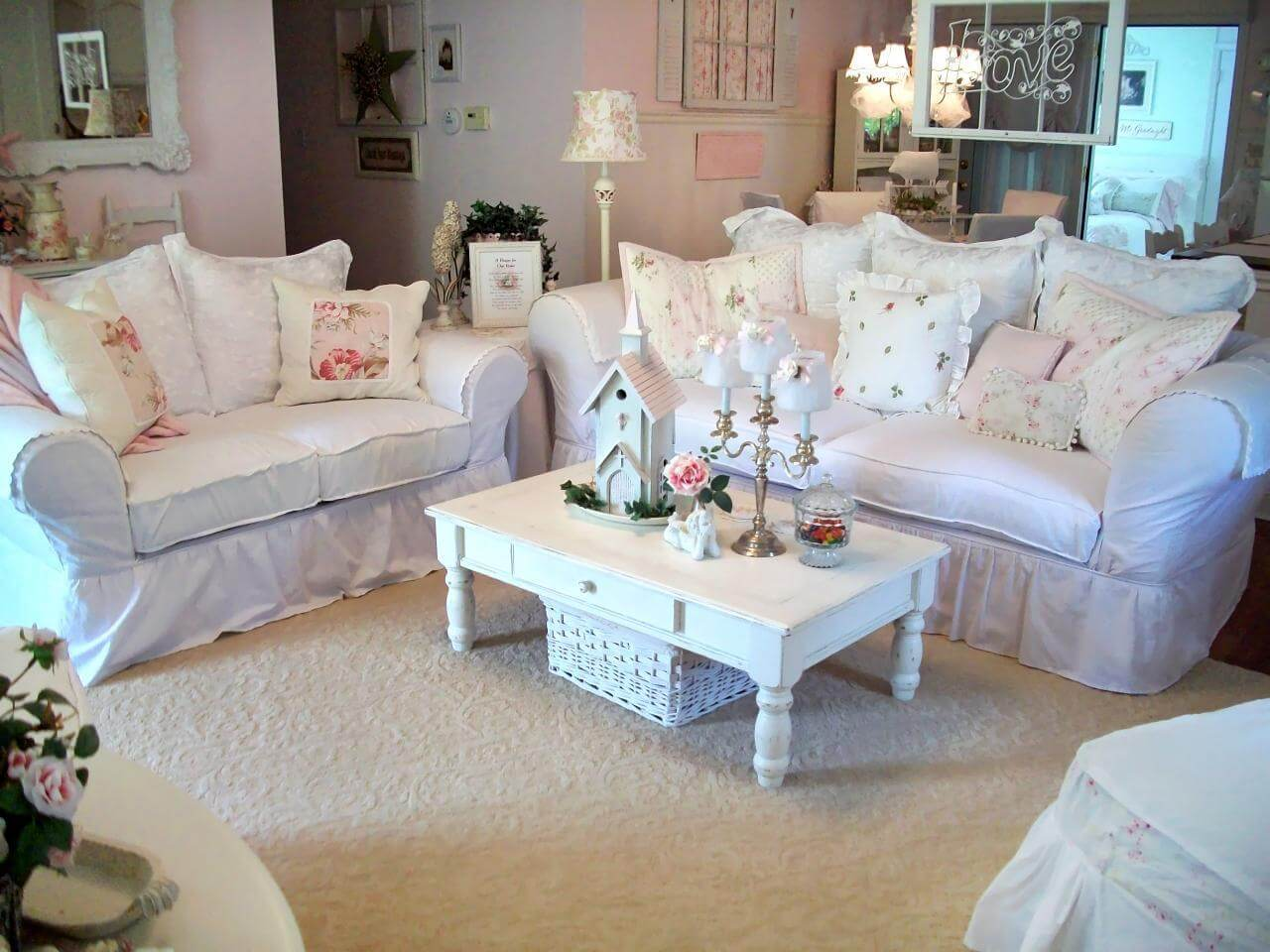 Couch Shabby Chic 32 Best Shabby Chic Living Room Decor Ideas And Designs For 2019