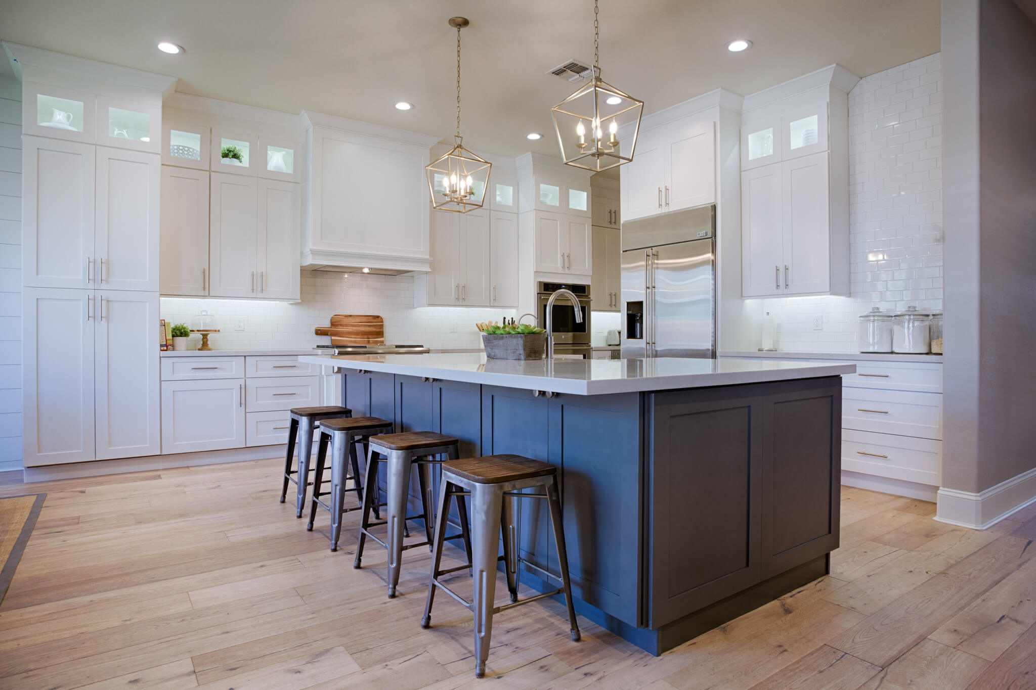 Photos Of White Kitchen Cabinets 35 Best Farmhouse Kitchen Cabinet Ideas And Designs For 2019