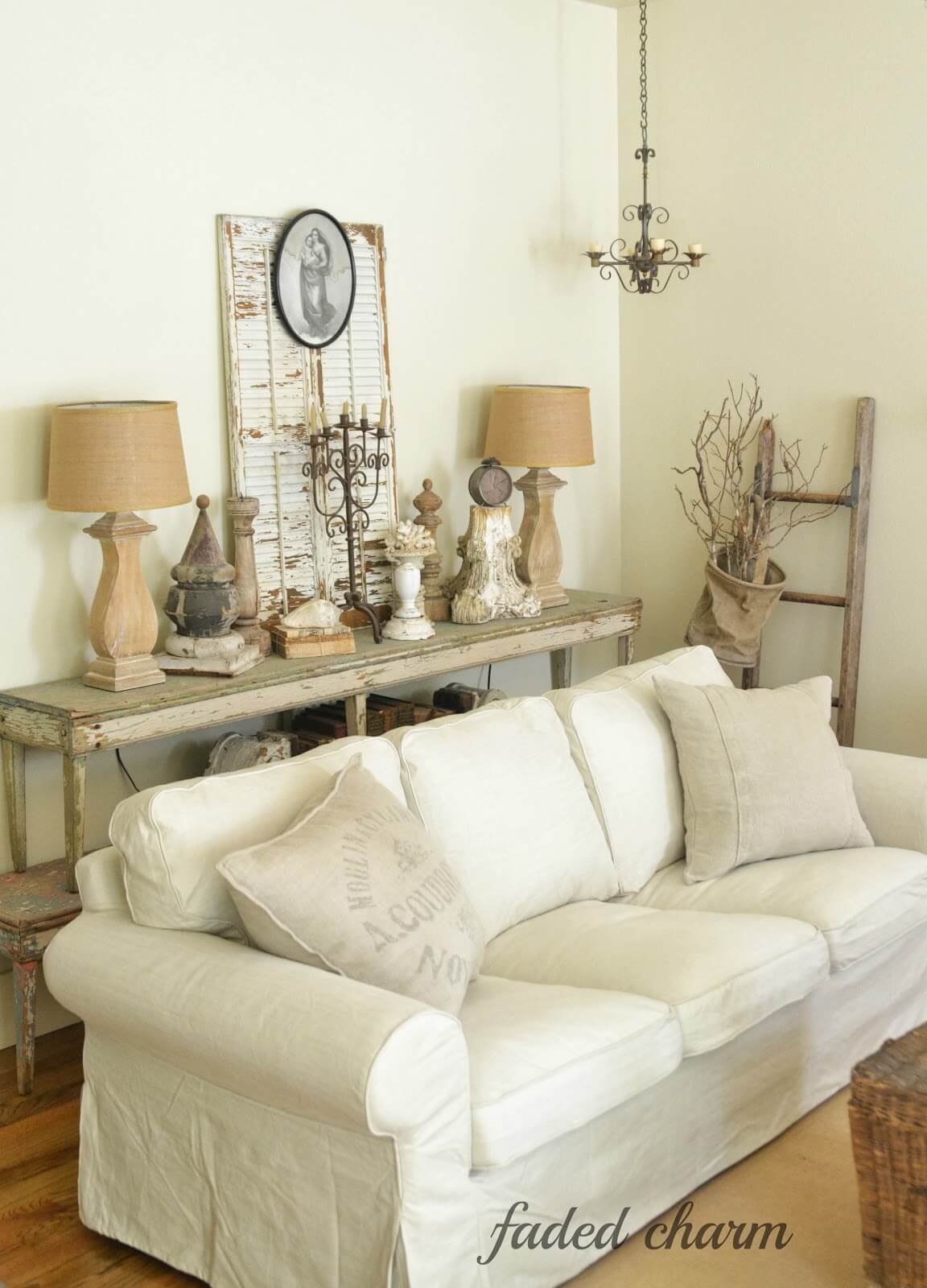 21 Best Rustic Living Room Furniture Ideas And Designs For 2021