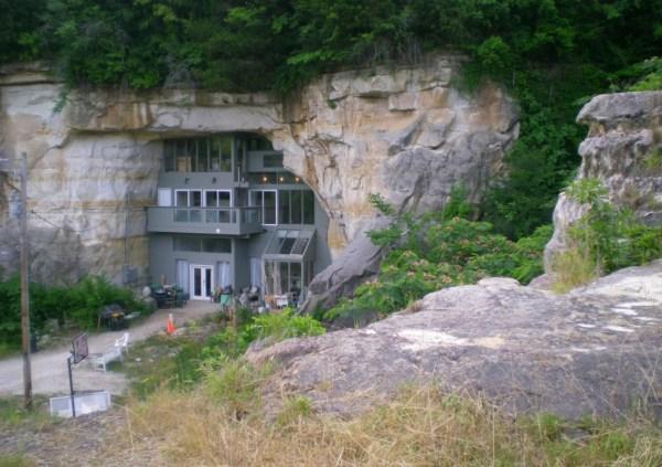 Cave-house-Missouri2