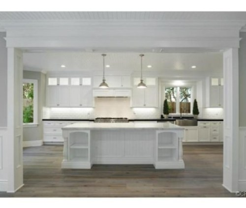 Judd-Apatows-home-kitchen-2-e25f28-576x430